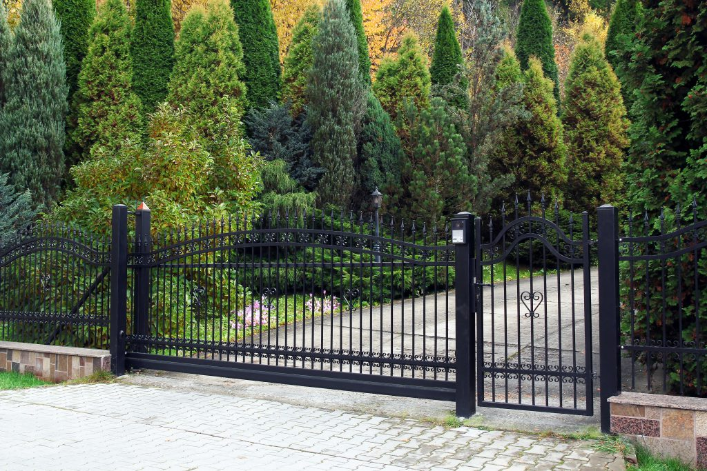 black automated gate
