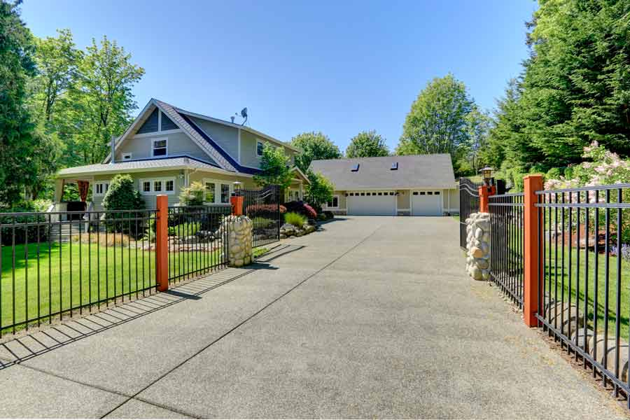 Residential automated driveway gate